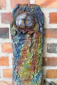 Peinture Acrylique sur bois. Favoriser le contact individuel.